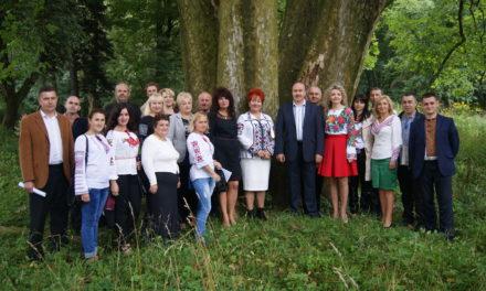 «Батьківщинівці» Львівщини відвідали Підгірцівський замок, що на Стрийщині