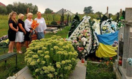 «Батьківщинівці» Львівщини вшанували пам'ять загиблого військовослужбовця