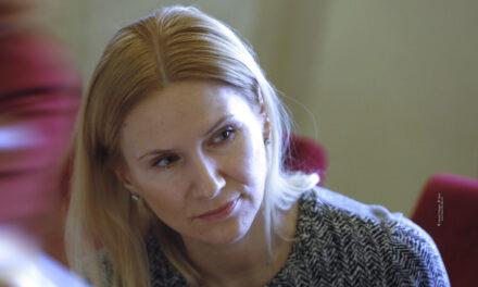 Олена Кондратюк: Мир та права жінок