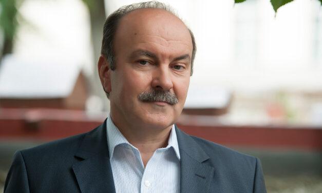 Михайло Цимбалюк: Ми повинні дотримуватися чинної Конституції