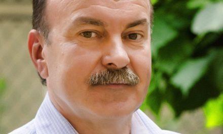 Михайло Цимбалюк: Доки чиновники чубляться, життя українців стає ще нестерпнішим