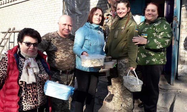 «Жінки Батьківщини» Львівщини привітали військових із Великодніми святами
