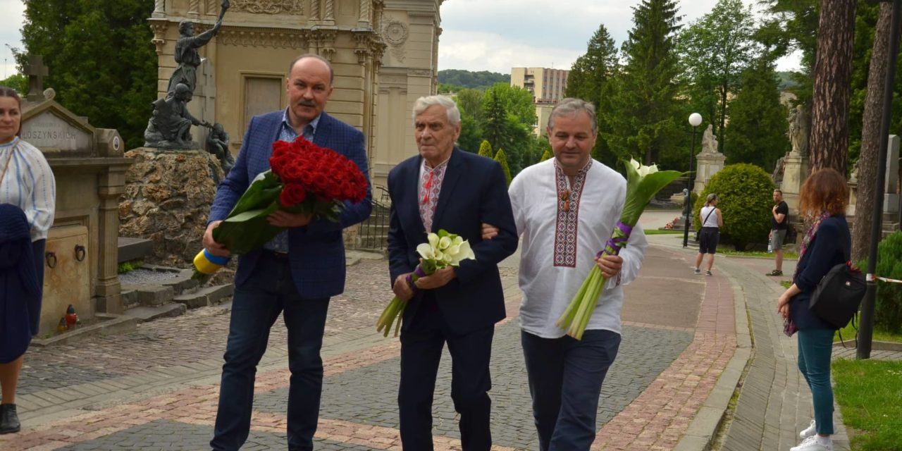 Михайло Цимбалюк: Нинішня влада мала би читати Каменяра