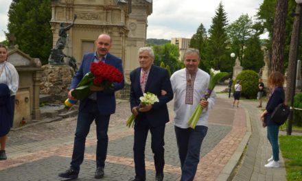 МИХАЙЛО ЦИМБАЛЮК: СУЧАСНІ ПОЛІТИКИ МАЮТЬ ВЧИТИСЯ НА ТВОРАХ ІВАНА ФРАНКА