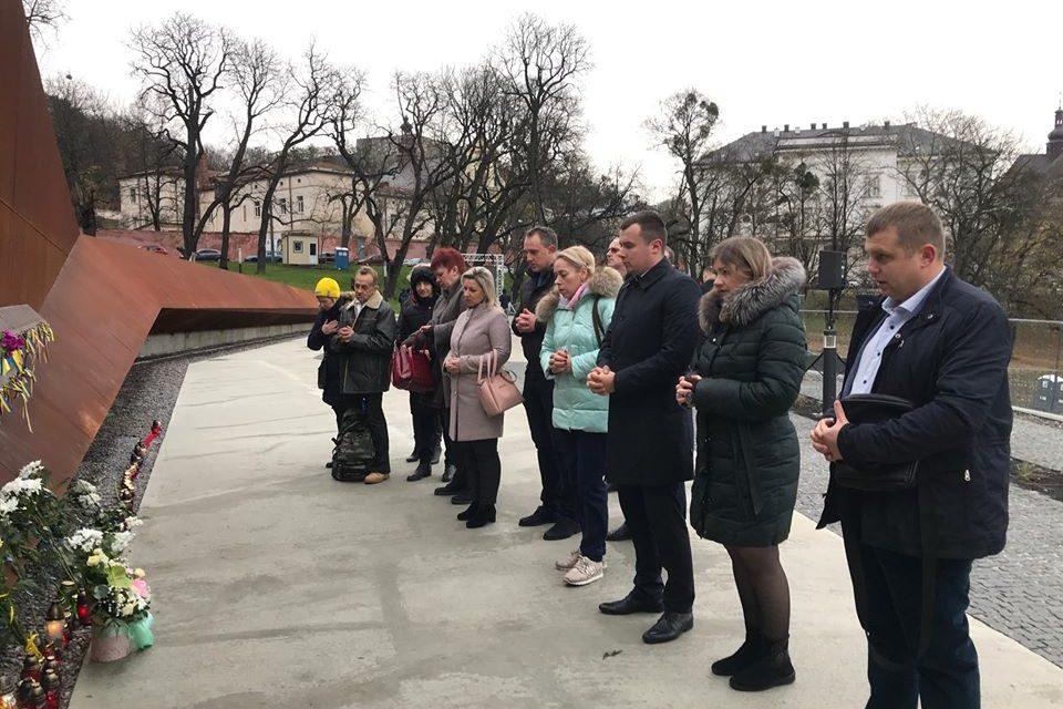 Партійці Львова вшанували пам'ять Героїв Небесної Сотні