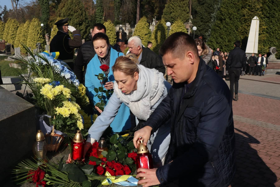 Львівські партійці вшанували пам'ять творців ЗУНР та вояків УГА