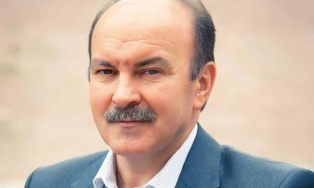 Михайло Цимбалюк: Заборона на виїзд українців за кордон може обернутися відставкою уряду