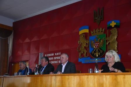 Дрогобицька та Яворівська райради вимагають зняти законопроєкт про продаж землі