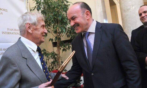 Михайло Цимбалюк привітав внука Івана Франка – Роланда Тарасовича з 88-річчям