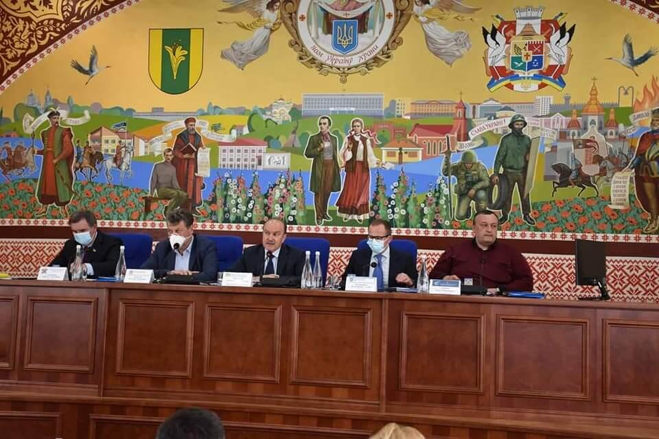 Михайло Цимбалюк бере участь у виїзному засіданні Комітету з питань соцполітики